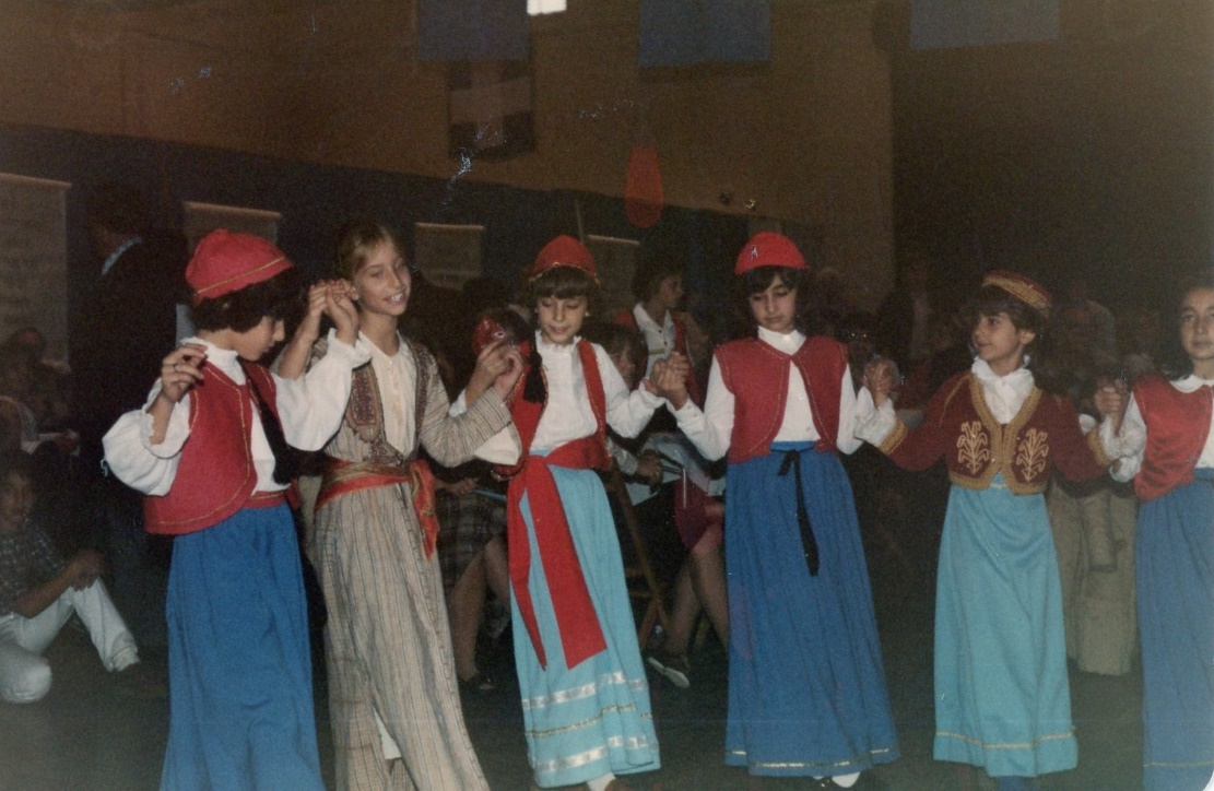 D:\SCANNED.AS\Greek.Festivals.Dancers\img499.jpg